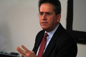 Steve López (USC)